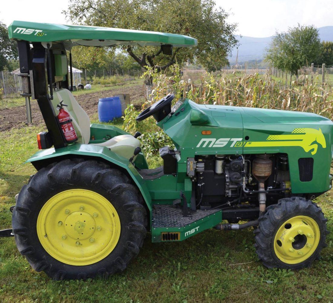 2020-01-02 12_45_11-skapinec polepy traktora-1.ai_ @ 400% (CMYK_GPU Preview)